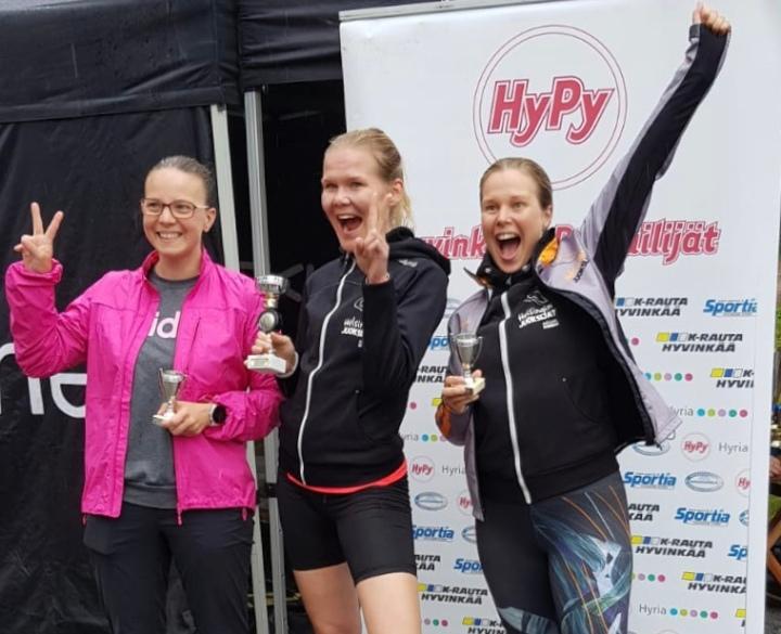 Ensimmäinen kosketukseni triathloniin: Sehän oli älyttömän kivaa! Ja mävoitin!